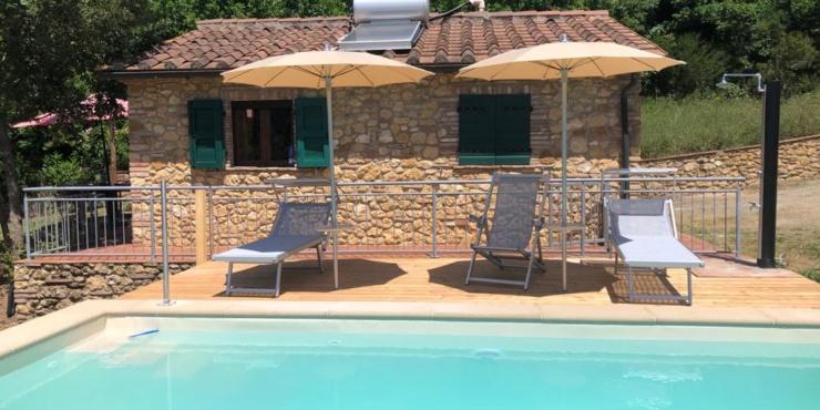 """""""Casa Verde"""" mit beheizbarem Pool; d.h. von Ostern bis November warmes Wasser. Einmalig in der Toskana!"""